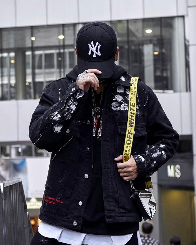 グラフィティバックブラックデニムジャケットの画像1